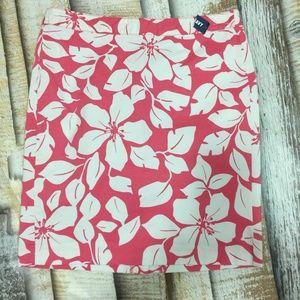 Old Navy Hawaiian Floral Skirt Size 8 NWT